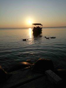 barque coucher de soleil